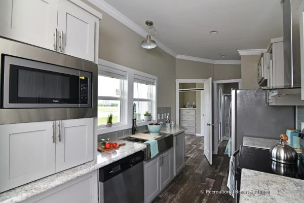 RRC-AthensParkHomes-520MS  kitchen