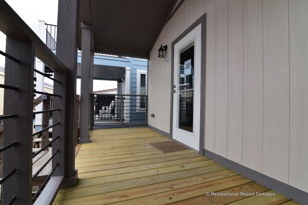 RRC-AthensParkHomes- 522SL porch