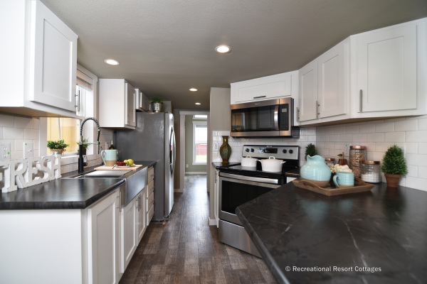 RRC-AthensParkHomes-527Bmonoslope Kitchen