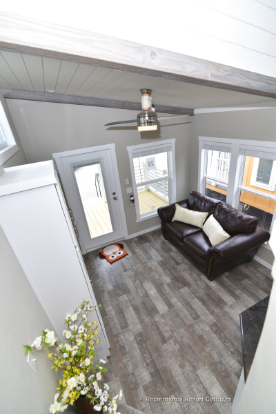 RRC-AthensParkHomes-527Bmonoslope living room