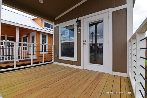 RRC-AthensParkHomes-527Bmonoslope porch