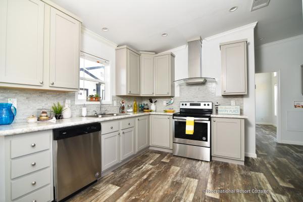 RRC-AthensParkHomes-1666MS kitchen