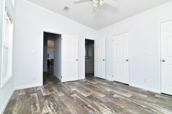 RRC-AthensParkHomes-1666MS master bedroom