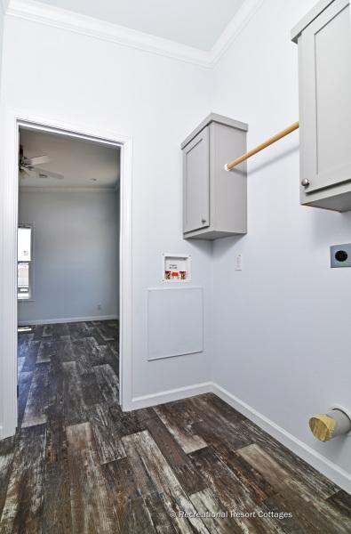 RRC-AthensParkHomes-1666MS utility room
