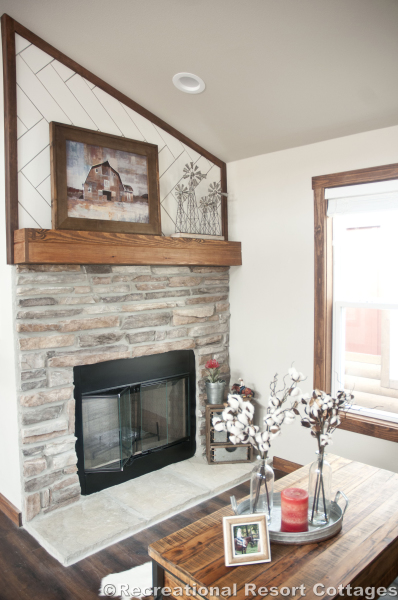 RRC- Platinum Cottages- Del Rio 963FD fireplace