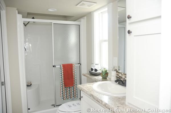 RRC-PlatinumCottages528 Bathroom