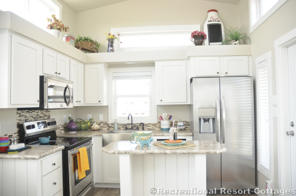 RRC-PlatinumCottages528 kitchen