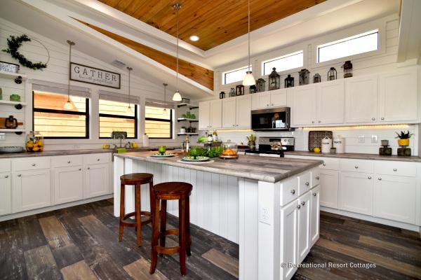PlatinumCottages-Farmhouse Elly Mae Kitchen
