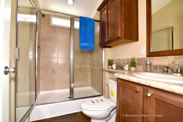 RRC-MiniMansionTwoBedroom-Belfast Bathroom