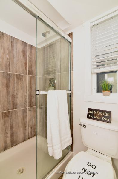 RRC-527B Bathroom