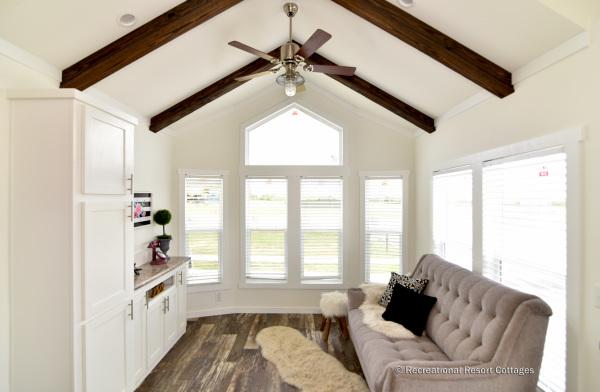 RRC-527B living room