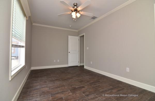 RRC-OakCreekHomes-J78R Guest Bedroom