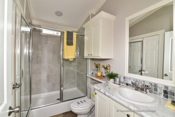 RRC-OakCreekHomes-Yorkshire Bathroom