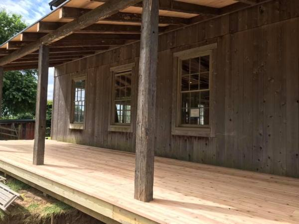 Barn gets country porch