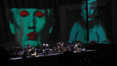 Waters-Us+Them Tour-Trump1
