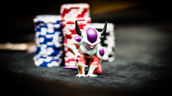 The Art of Bluffing in Poker Discussed by Stanislav Komsky