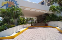 """<img source=""""pic.gif"""" alt=""""Tantric Week retreat Getaway in Cancun Mexico with private coach.""""</img>"""