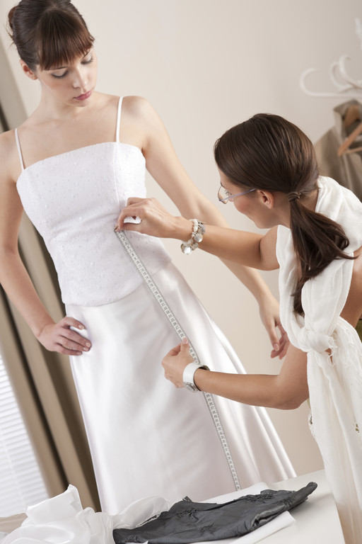 "<img source=""pic.gif"" alt=""Best wedding gown bridal dress alterations in near Goldsboro NC area.""</img>"