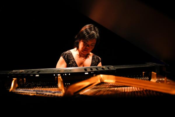 Luciana Noda - Piano
