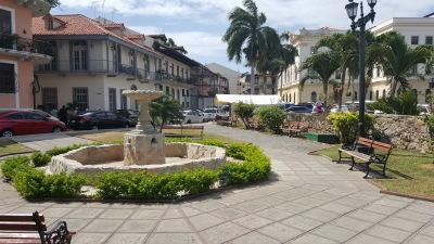 """<img src=""""verzeichnis/abbildung.jpg"""" alt=""""Casco Viejo und Altstadt Panama"""">"""