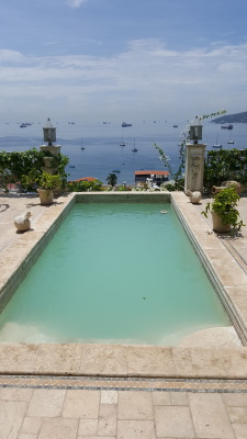 "<img src=""verzeichnis/abbildung.jpg"" alt=""Isla Taboga villa caprichiosa"">"