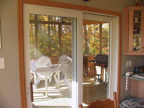 Véranda avec moustiquaire / Screened in porch
