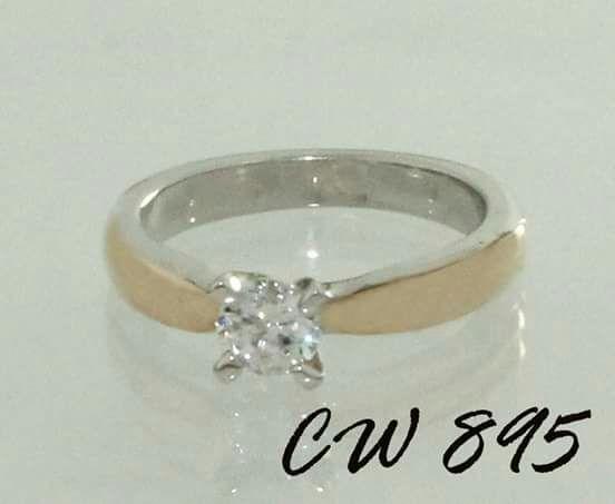 CW895