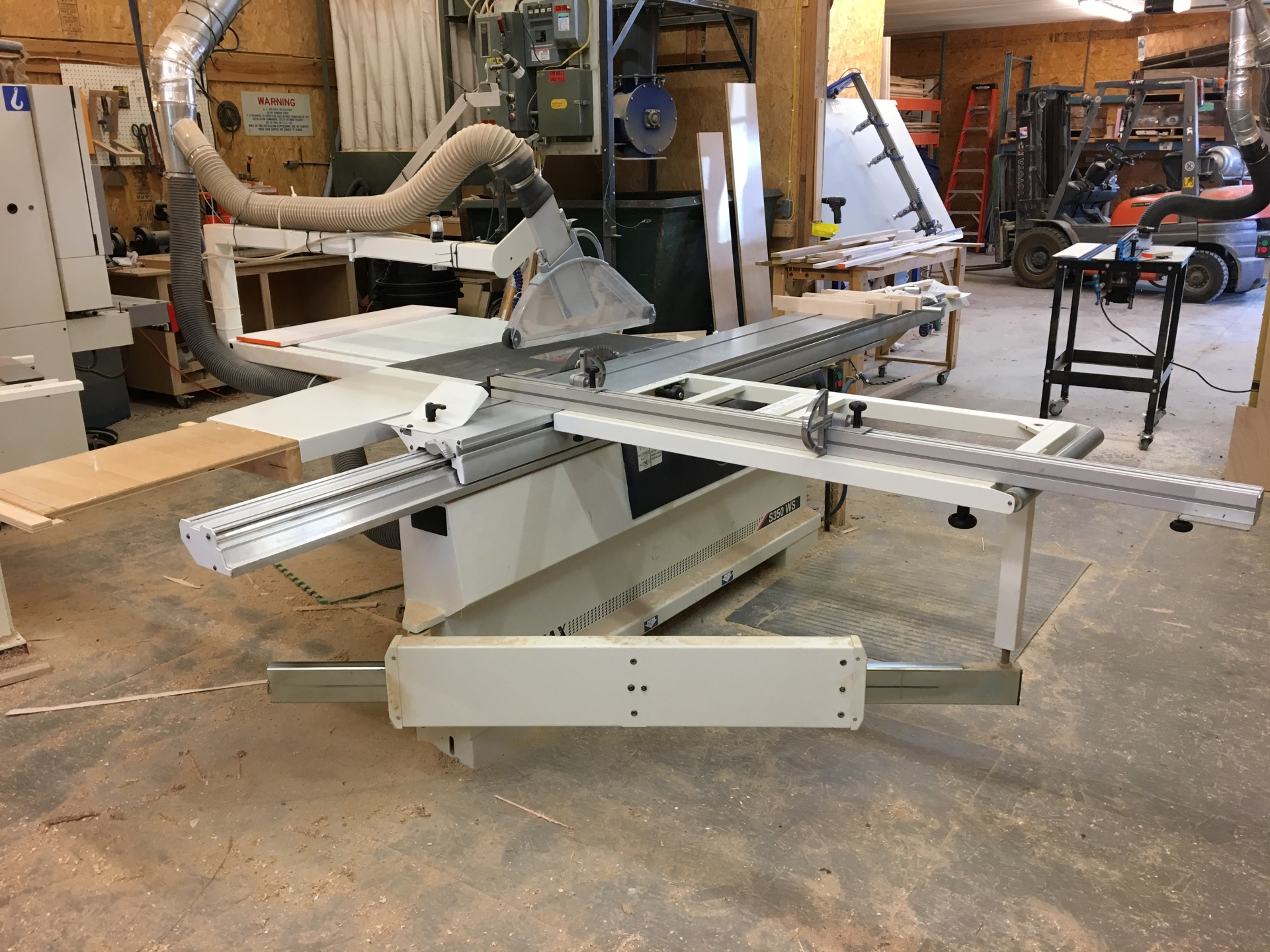Sliding tablesaw