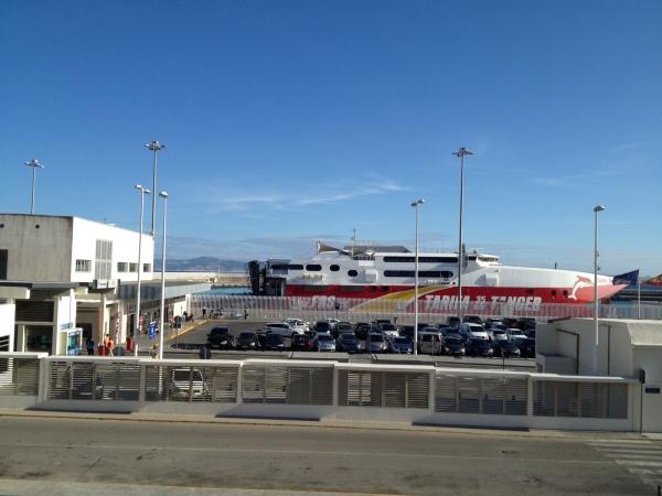 從西班牙乘船往北非摩洛哥