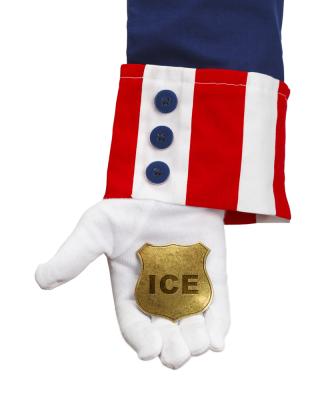 Conozca sus derechos si ICE visita su hogar.