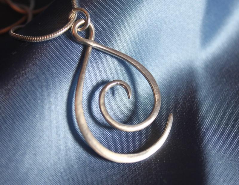 Swirl Teardrop pendant
