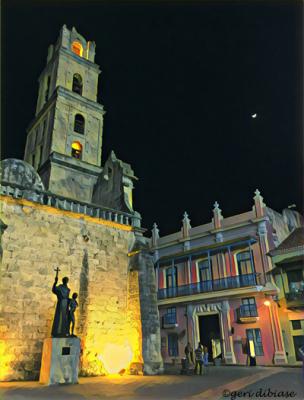 The Moon in  Old Havana