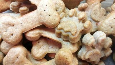 Maple dog treats