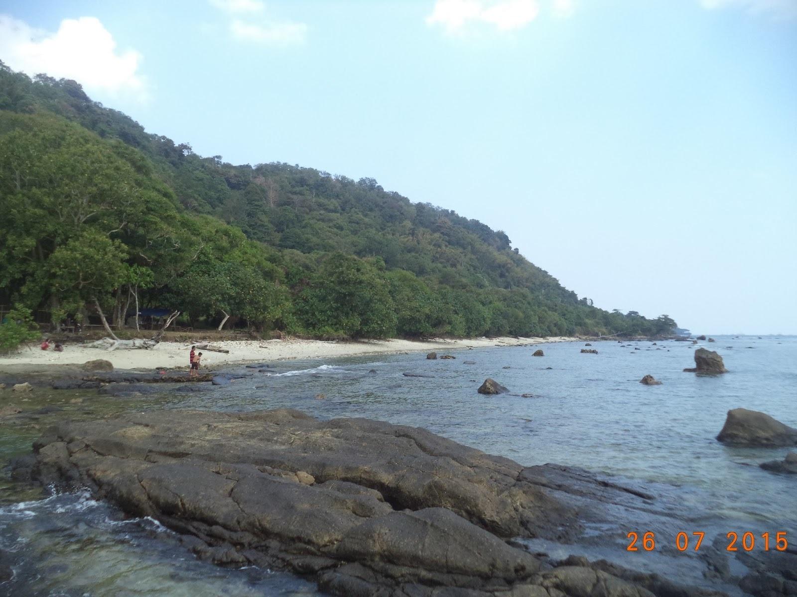 Batu Hideung Beach