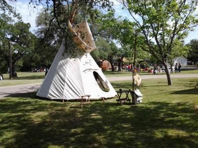 Pioneer tent setup