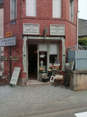 Welcoming Shop