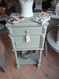 Cabinet Green 45 Euro!!!
