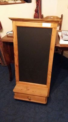 Solid Kitchen unit with chalk board 60 Euro