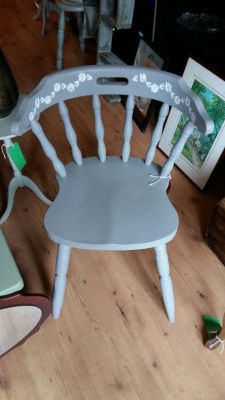 Beautiful solid spindle chair 40 Euro