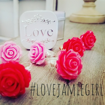Rose Rings & Love Tin $15