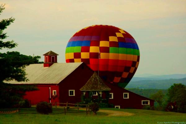Hot Air Balloon Landing 2016