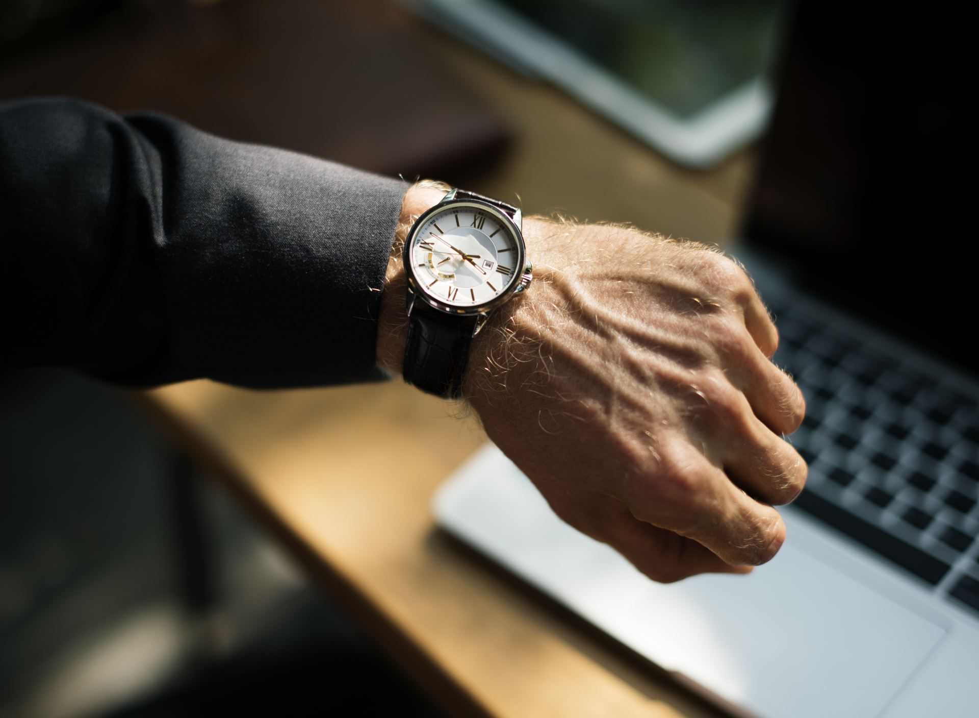 3 Ways of Waiting Times for Restaurants and Garages