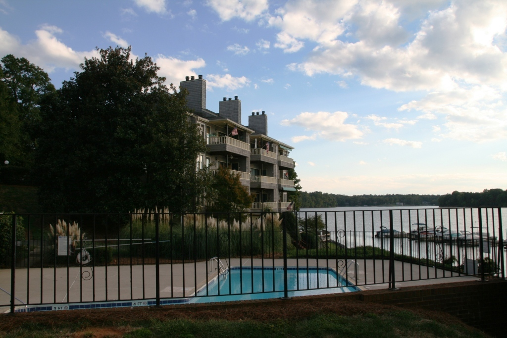 Just Leased - Waterfront condo on Lake Wylie!
