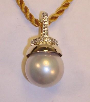 Large Pearl Drop