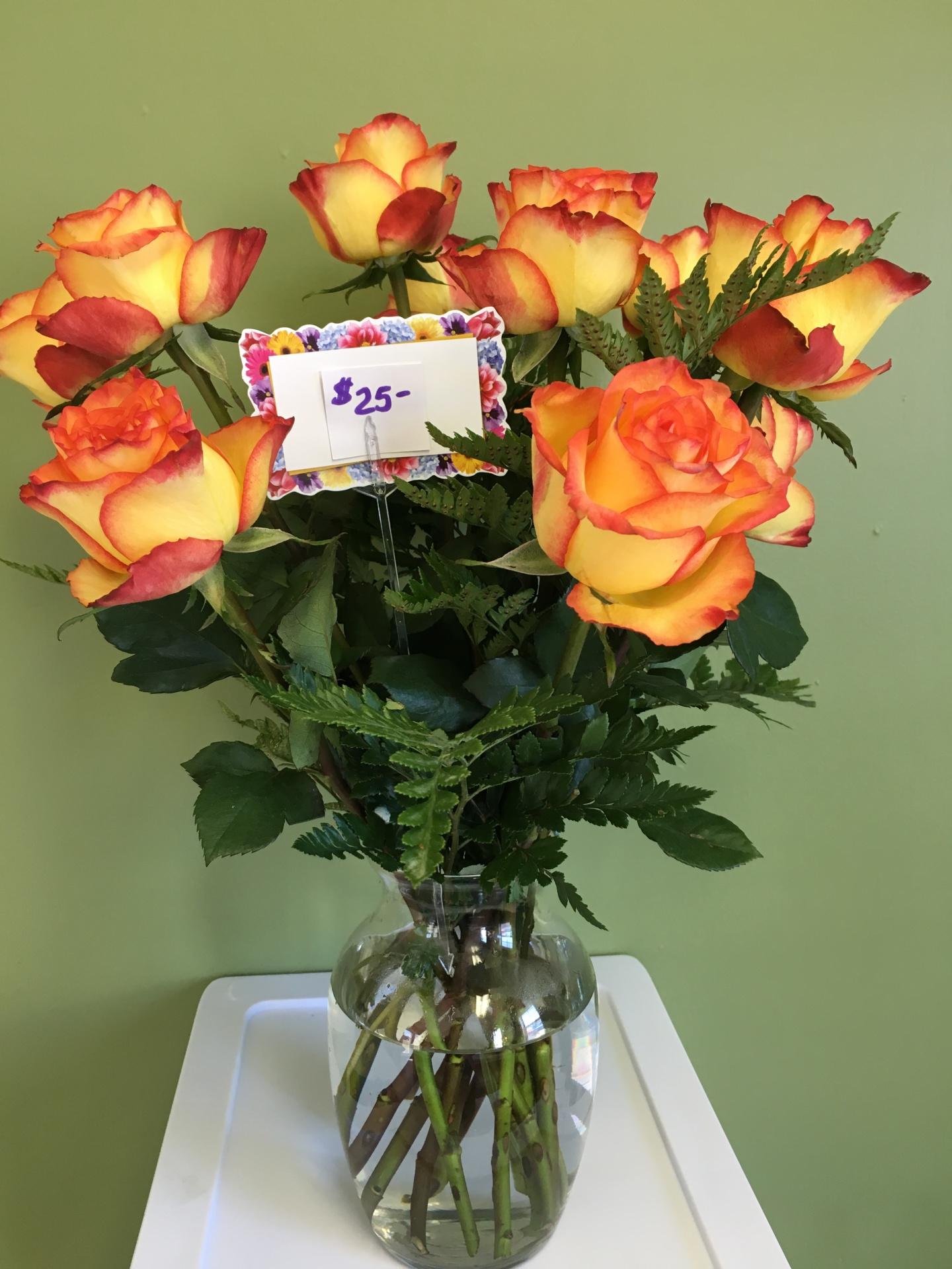 Color Dozen Rose Vase