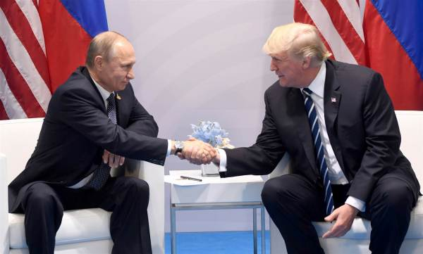 Two Most Powerful Men in the World Meet. Press Obsessed with Body Language?