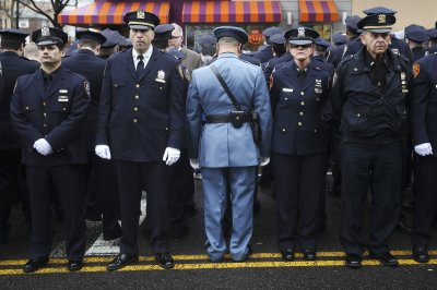 Hundreds of NY Cops Turn their Back on De Blasio and Effectively the Liberal Elite!