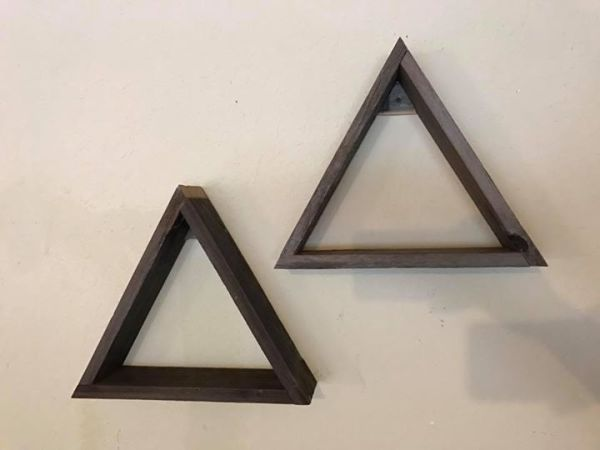 Rustic triangle shelfs