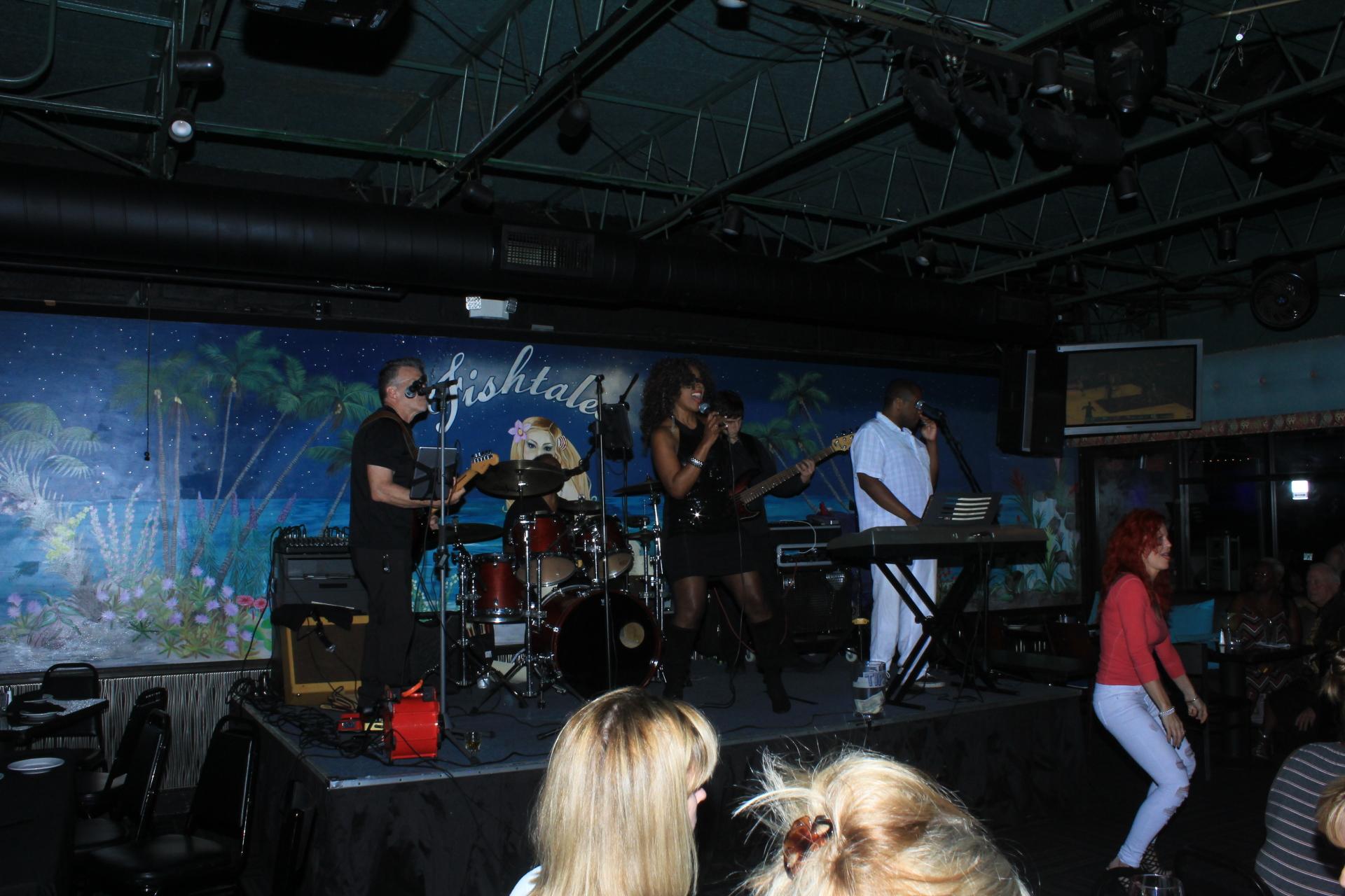 Villette Holmes Band!