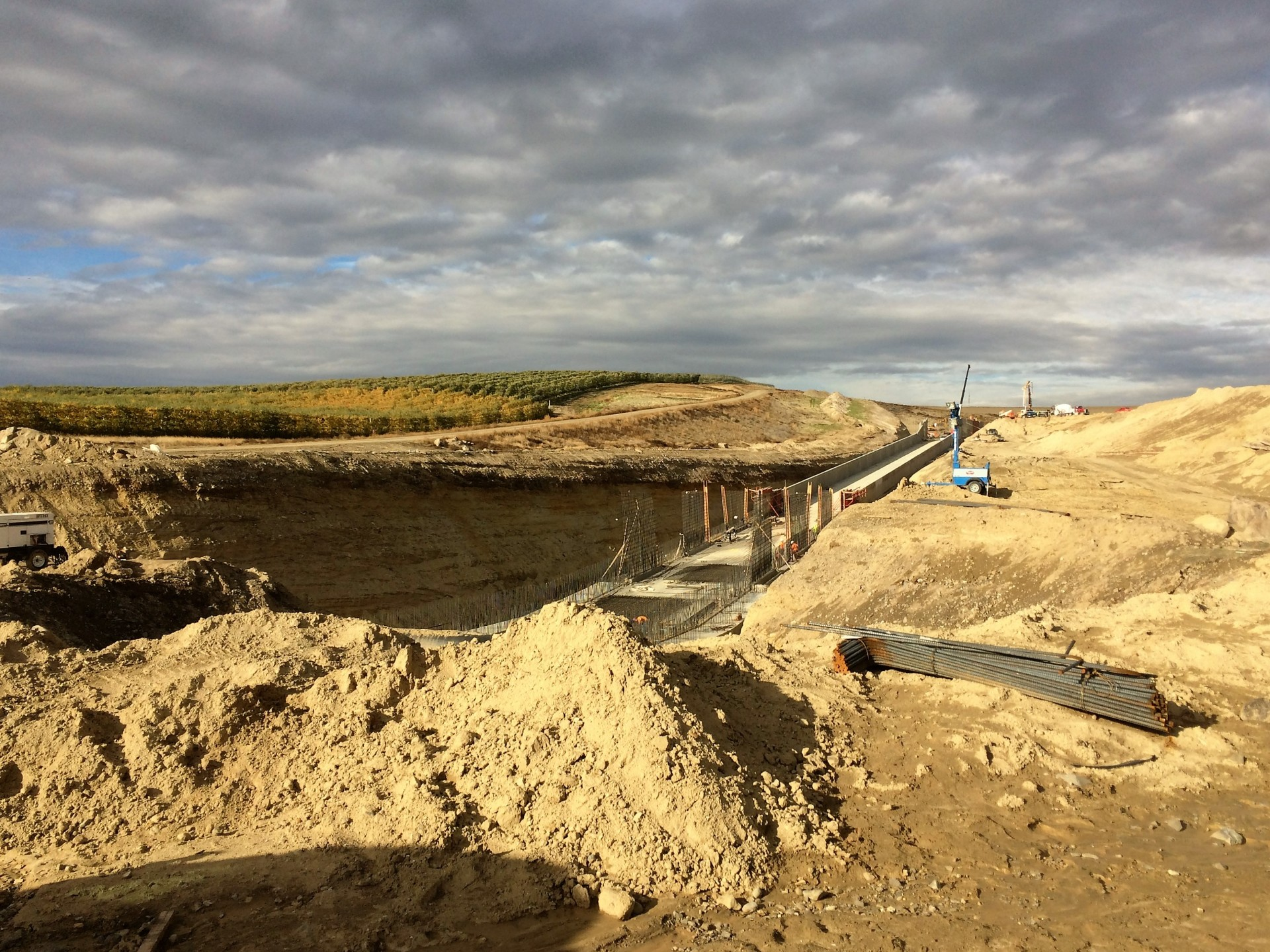 WASTEWAY 5 RE-REGULATION RESERVOIR: FINAL CONSTRUCTION